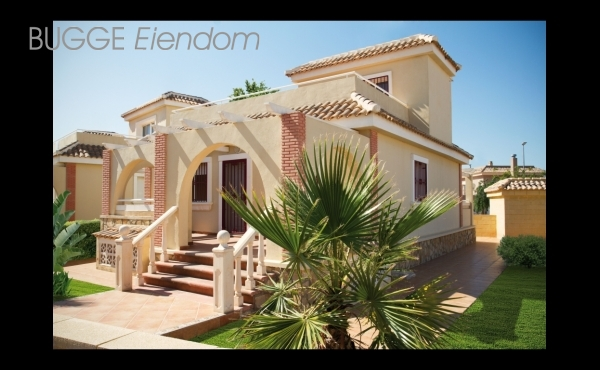 Villa with big underbuilt and sunroof. Golf course.